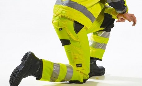 Jak powinien być ubrany ratownik medyczny?