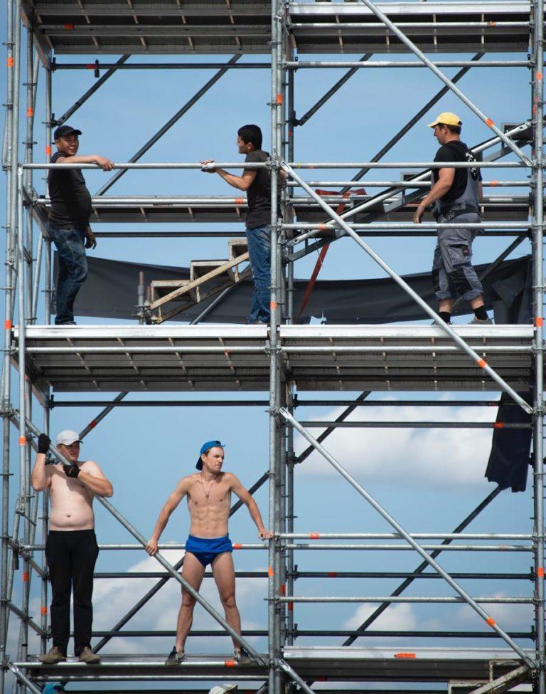 Jak zabezpieczyć pracowników na wysokości?