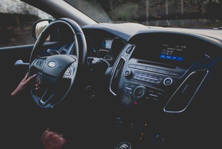 Jak odpowiednio przeprowadzić zakup samochodu?