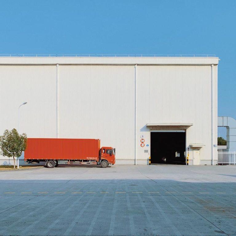 Czy giełda Grupy DBK oferuje używane samochody ciężarowe?