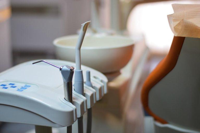Dobrej klasy aparaty na zęby w Twoim zasięgu